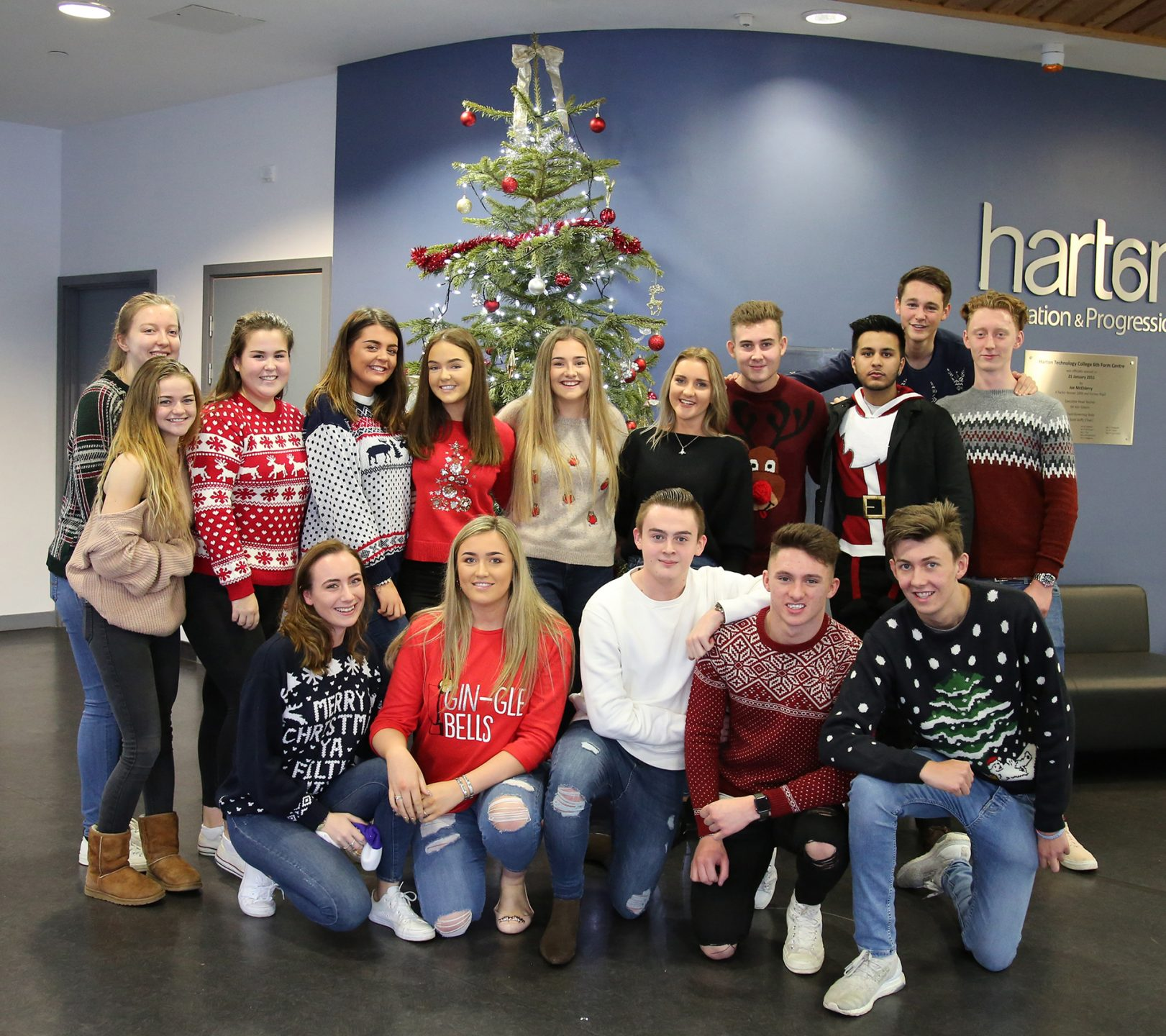 6th Form Christmas Jumpers 2018-04